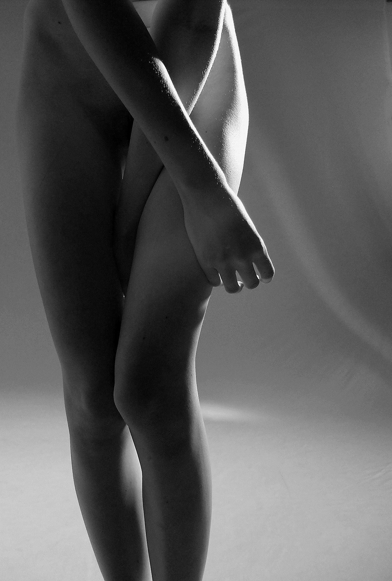 【外人】女の感情を表現しているアート系ヌードポルノ画像 20157