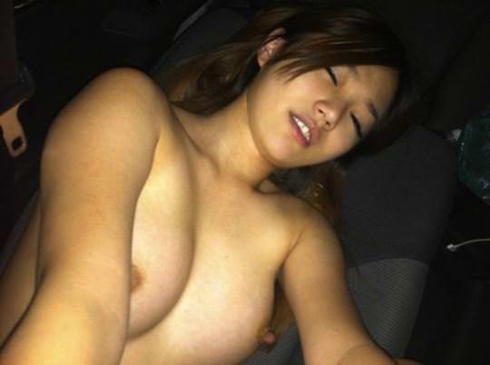 【外人】台湾美少女がカーセックスのハメ撮りネット公開してるポルノ画像 20169