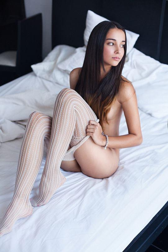 【外人】無名ファッションモデルが美乳おっぱいを晒してるポルノ画像 2053