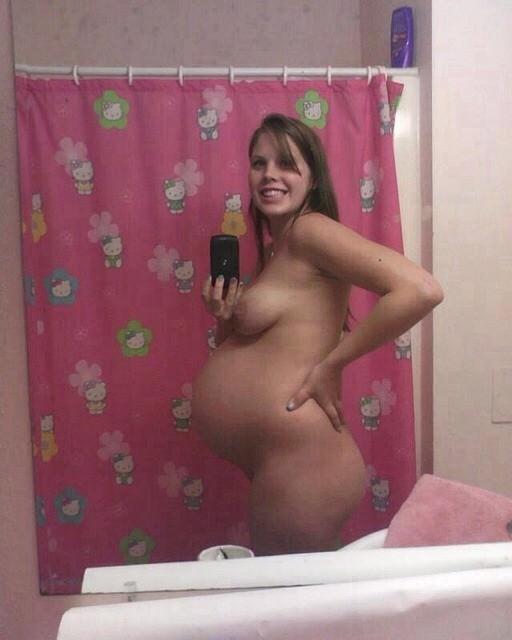 【外人】生中出し種付けセックスをして妊娠中の人妻が自画撮りしてるポルノ画像 209