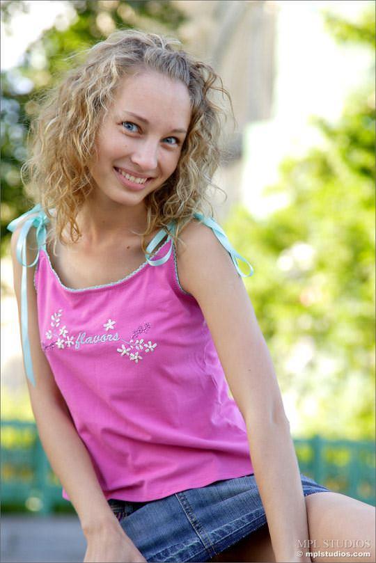 【外人】ロシアの可憐な美少女マーシャ(Masha) のフルヌードポルノ画像 2100