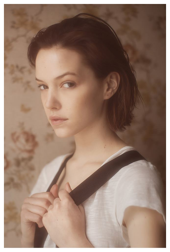 【外人】女性写真家ヴィヴィアン・モクが映し出す芸術的なセミヌードポルノ画像 2149