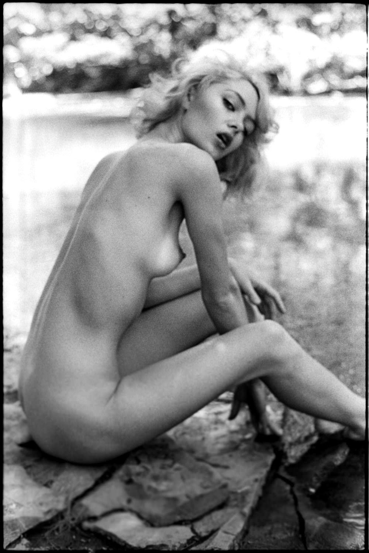 【外人】プロ写真家ジョナサン·レダーによって撮影されたノスタルジックなヌードポルノ画像 22104