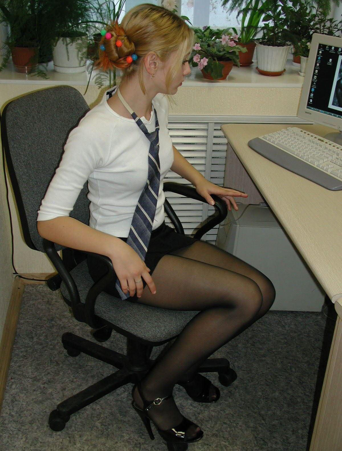 【外人】ロシア人の学生たちがめっちゃ可愛くて大人っぽい制服ポルノ画像 22136