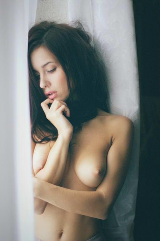 【外人】無名ファッションモデルが美乳おっぱいを晒してるポルノ画像 2248