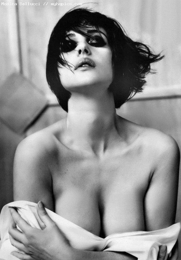【外人】イタリア人女優モニカ・ベルッチ(Monica Bellucci)の大胆おっぱい露出ポルノ画像 2252