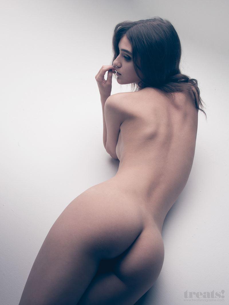 【外人】男前なポーランドの美人モデルPaula Bulczynskaの巨乳おっぱいポルノ画像 226