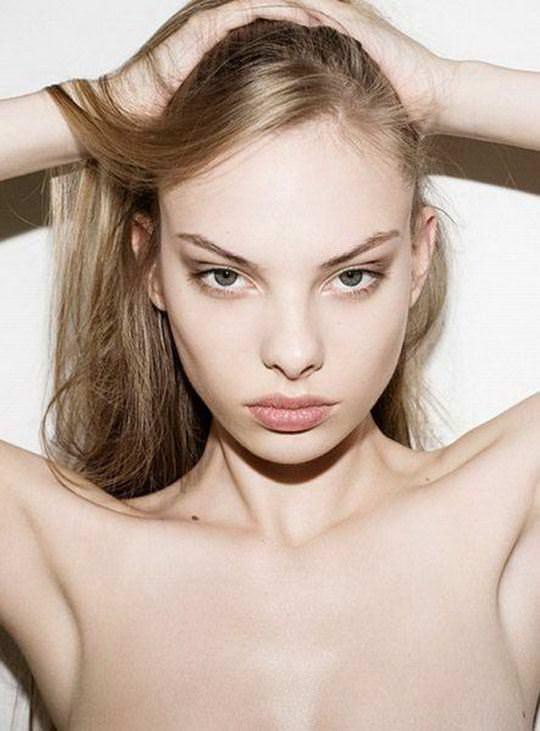 【外人】オランダアムステルダム出身のディオニ・タバーズ(Dioni Tabbers)が美乳おっぱいで挑発するポルノ画像 2269