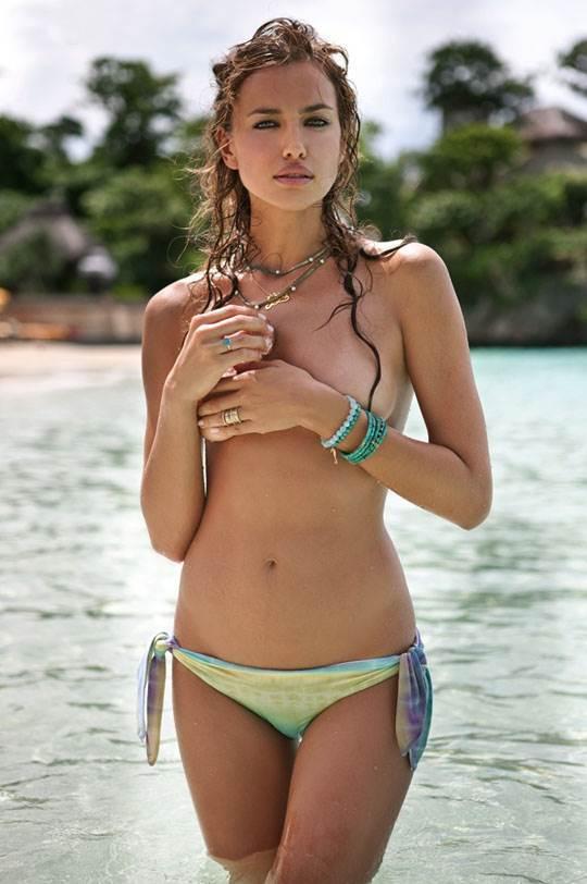 【外人】クリスティアーノ・ロナウド(Cristiano Ronaldo)のとんでもなく美人な恋人イリーナ・シェイク(Irina Shayk)の巨乳おっぱいポルノ画像 2273