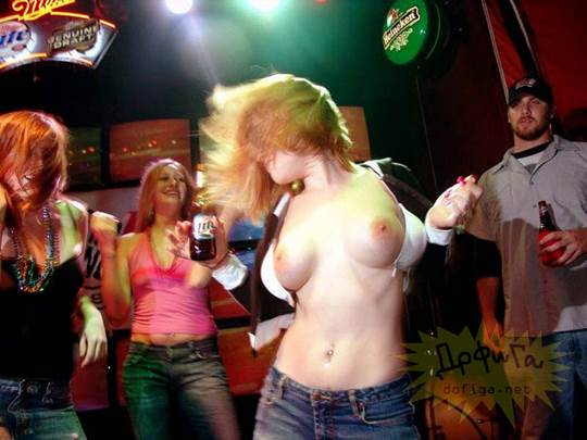 【外人】お酒飲んでテンションアゲアゲで脱いじゃいロシア人女子のポルノ画像 2288