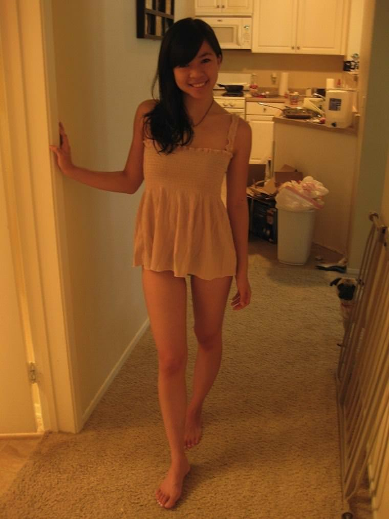 【外人】お尻ばっかり撮影してる素人娘の自画撮りポルノ画像 23153