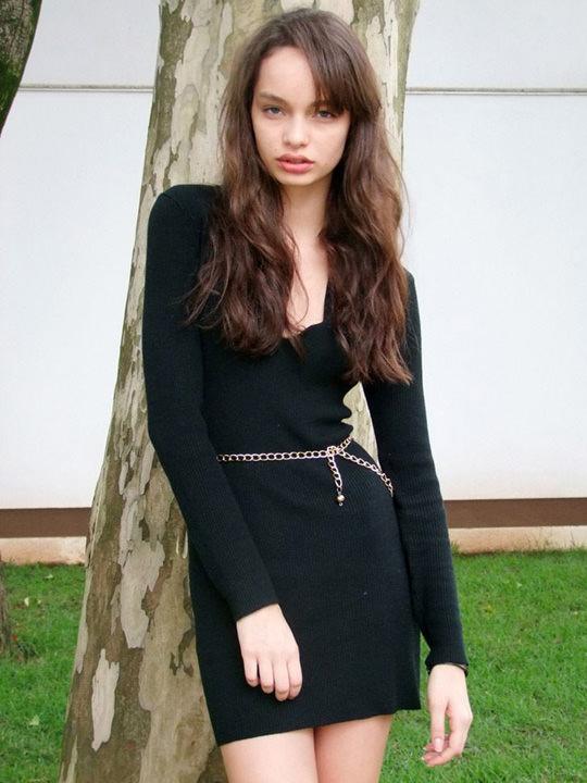 【外人】ブラジル人モデルのルマグローテ(Luma Grothe )が眼力で魅了するセミヌードポルノ画像 2316