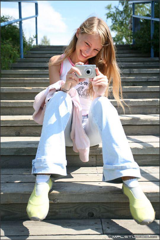 【外人】ロシアの可憐な美少女マーシャ(Masha) のフルヌードポルノ画像 2321