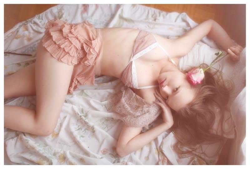 【外人】女性写真家ヴィヴィアン・モクが映し出す芸術的なセミヌードポルノ画像 2329