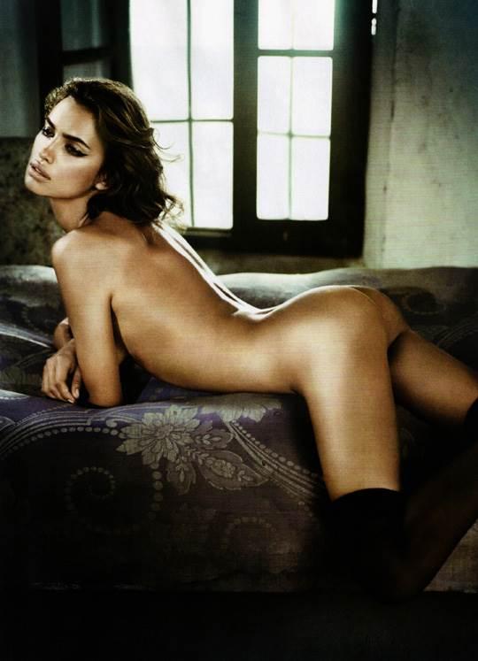 【外人】クリスティアーノ・ロナウド(Cristiano Ronaldo)のとんでもなく美人な恋人イリーナ・シェイク(Irina Shayk)の巨乳おっぱいポルノ画像 2358