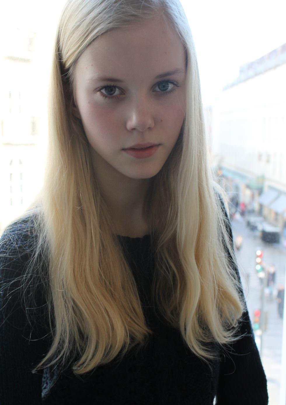 【外人】デンマークの妖精アメリー·シュミット(Amalie Schmidt)が異常な程可愛いポルノ画像 2365