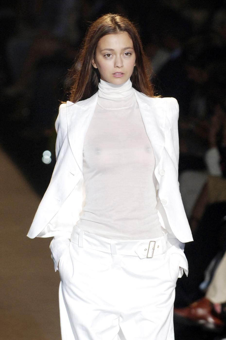 【外人】30歳過ぎてるロリ顔のフランス人モデルのモルガン・デュブレ(Morgane Dubled)のポルノ画像 2400