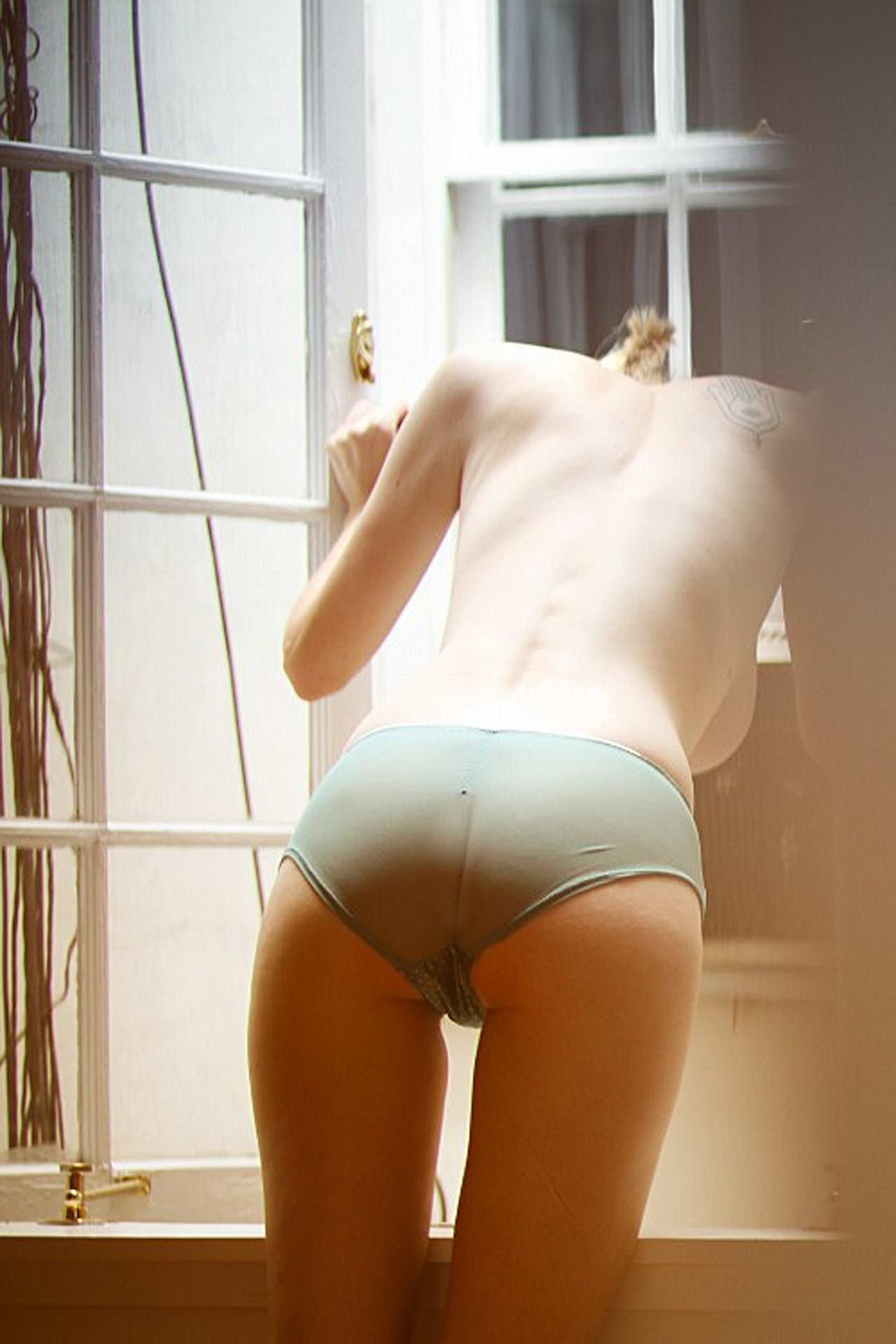 【外人】人気写真家ジョー·ウェナーの隠し撮り系アートのポルノ画像 24133