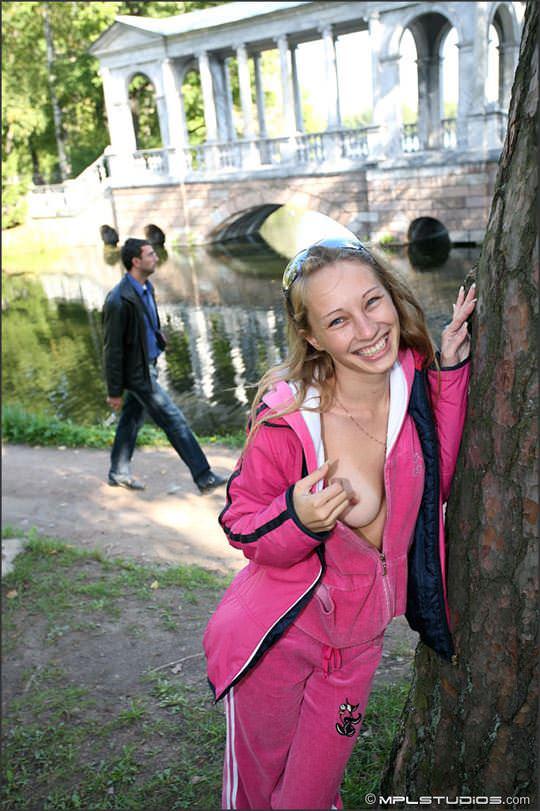 【外人】ロシアの可憐な美少女マーシャ(Masha) のフルヌードポルノ画像 2419