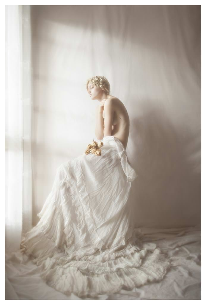 【外人】女性写真家ヴィヴィアン・モクが映し出す芸術的なセミヌードポルノ画像 2426