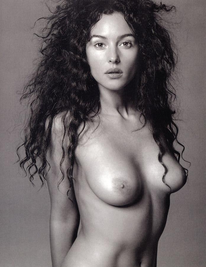 【外人】イタリア人女優モニカ・ベルッチ(Monica Bellucci)の大胆おっぱい露出ポルノ画像 2442