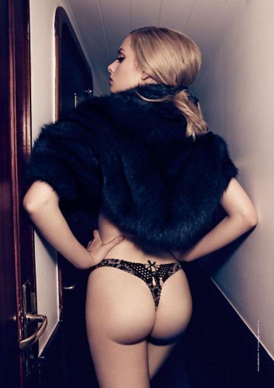【外人】オランダアムステルダム出身のディオニ・タバーズ(Dioni Tabbers)が美乳おっぱいで挑発するポルノ画像 2451