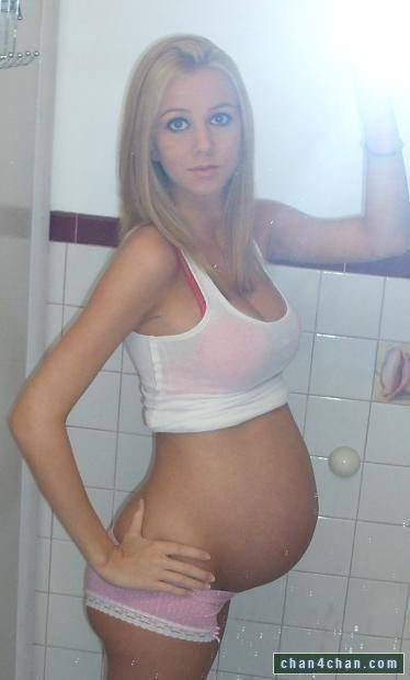 【外人】生中出し種付けセックスをして妊娠中の人妻が自画撮りしてるポルノ画像 246