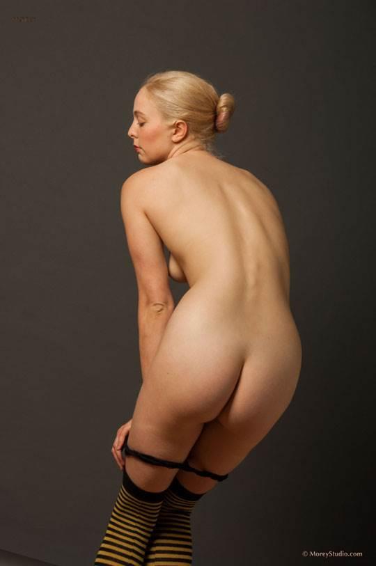 【外人】海外の美人な金髪お姉さんのヌードを集めたポルノ画像 2465