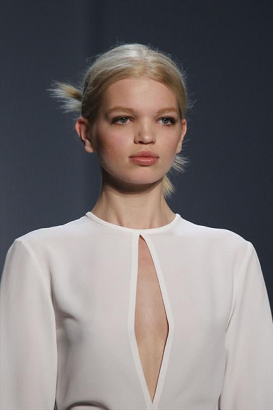 【外人】オランダ人の金髪モデルのダフネ(Daphne Groeneveld)が童顔で魅了するポルノ画像 2473