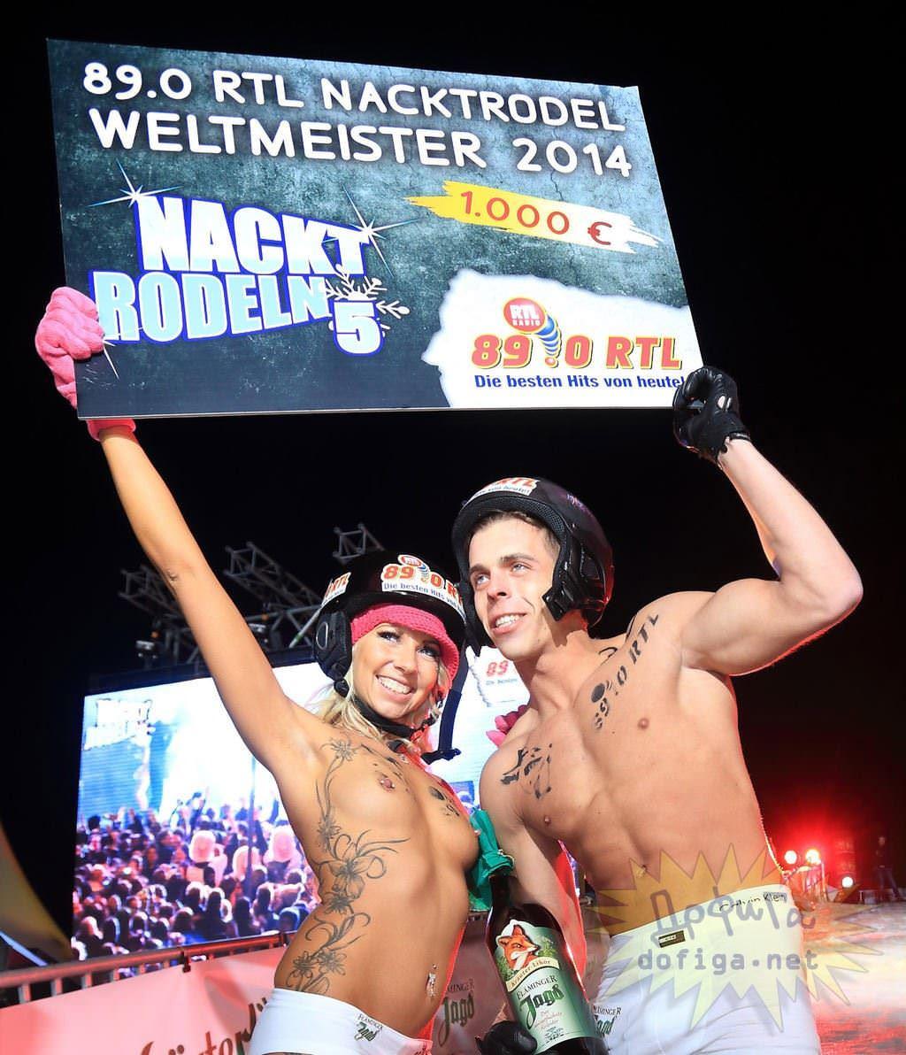【外人】ドイツのヌードソリ世界選手権2014で金髪美女めっちゃ可愛い露出ポルノ画像 2554