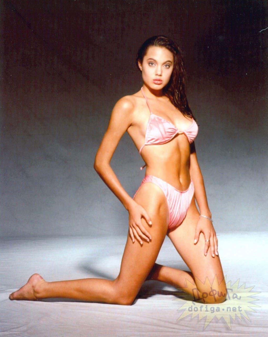 【外人】世界トップレベルの美女アンジェリーナ·ジョリー(Angelina Jolie)のポルノ画像 2595