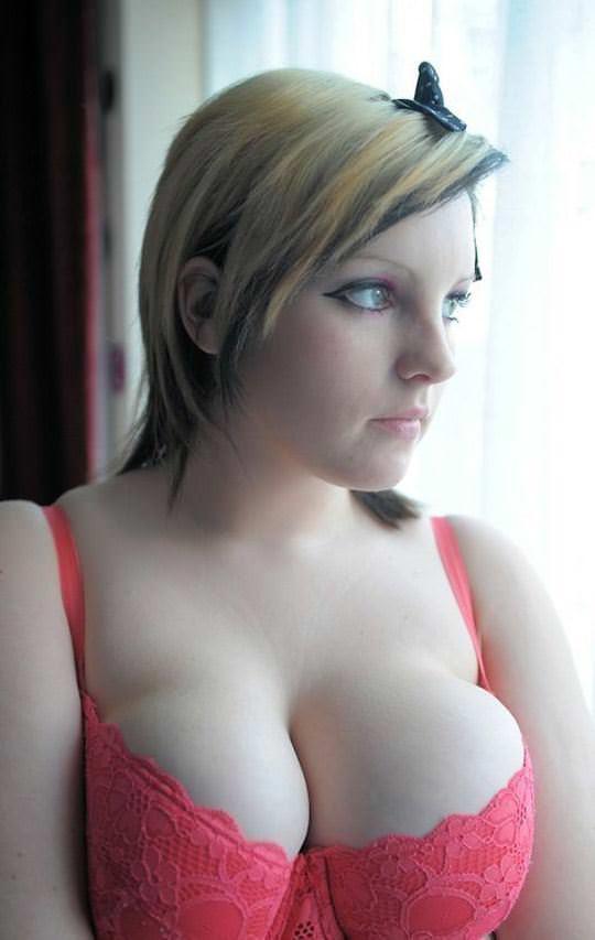 【外人】パンクな素人娘たちが裸になって粋がってるポルノ画像 2607