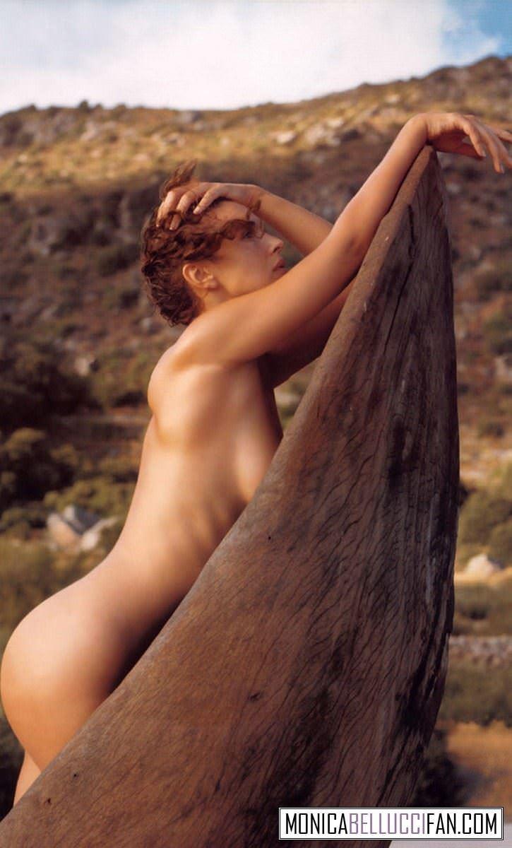 【外人】イタリア人女優モニカ・ベルッチ(Monica Bellucci)の大胆おっぱい露出ポルノ画像 2634