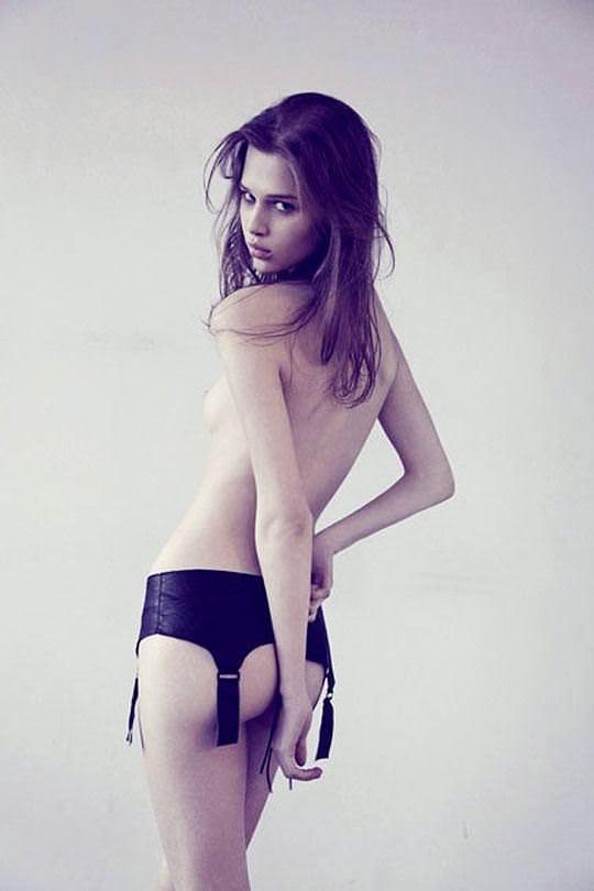 【外人】カナダのアナイス・ポウリオット(Anais Pouliot)の美少女の様な貧乳おっぱいポルノ画像 270