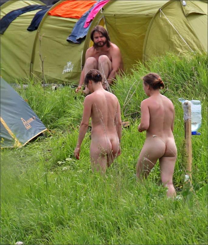 【外人】ヌーディストフェスティバルに参加中の素人美女を隠し撮りしまくった露出ポルノ画像 27119
