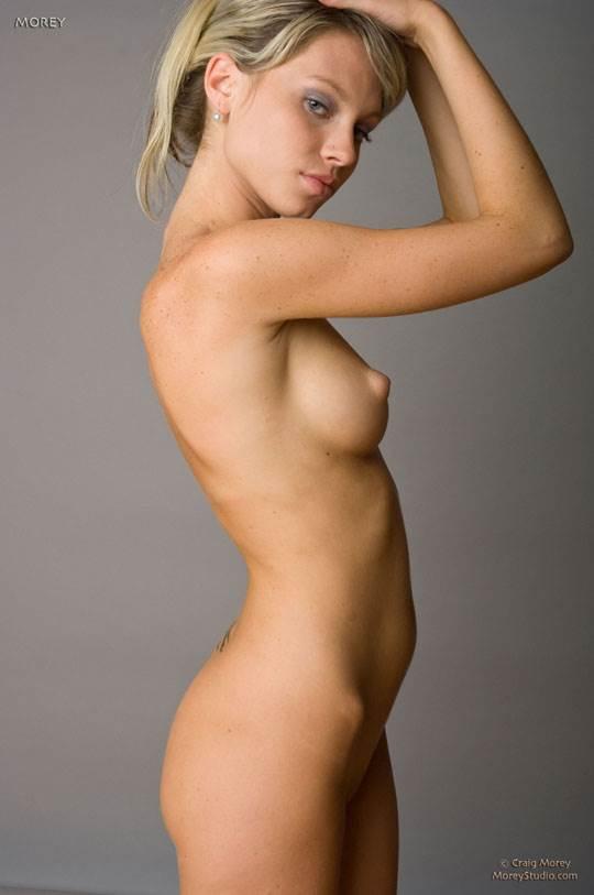 【外人】海外の美人な金髪お姉さんのヌードを集めたポルノ画像 2839