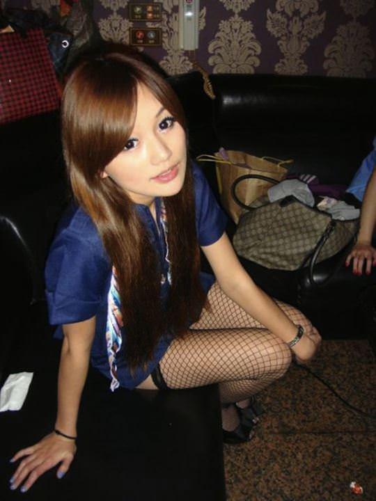 【外人】台湾美少女がカーセックスのハメ撮りネット公開してるポルノ画像 2901
