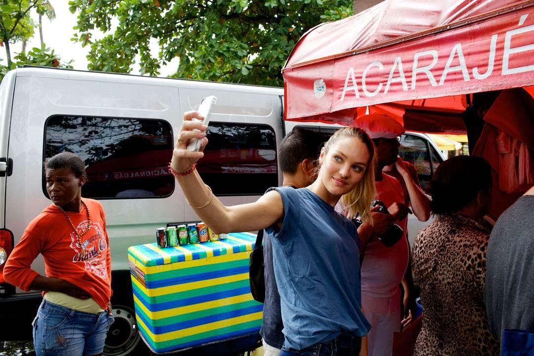 【外人】南アフリカ出身のキャンディス・スワンポール(Candice Swanepoel)がブロンドヘアーをなびかせるセクシーポルノ画像 2916