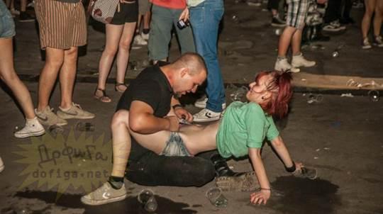 【外人】お酒飲んでテンションアゲアゲで脱いじゃいロシア人女子のポルノ画像 2932
