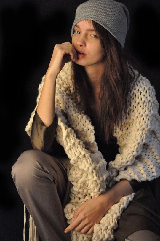【外人】ブラジル人モデルのルマグローテ(Luma Grothe )が眼力で魅了するセミヌードポルノ画像 294