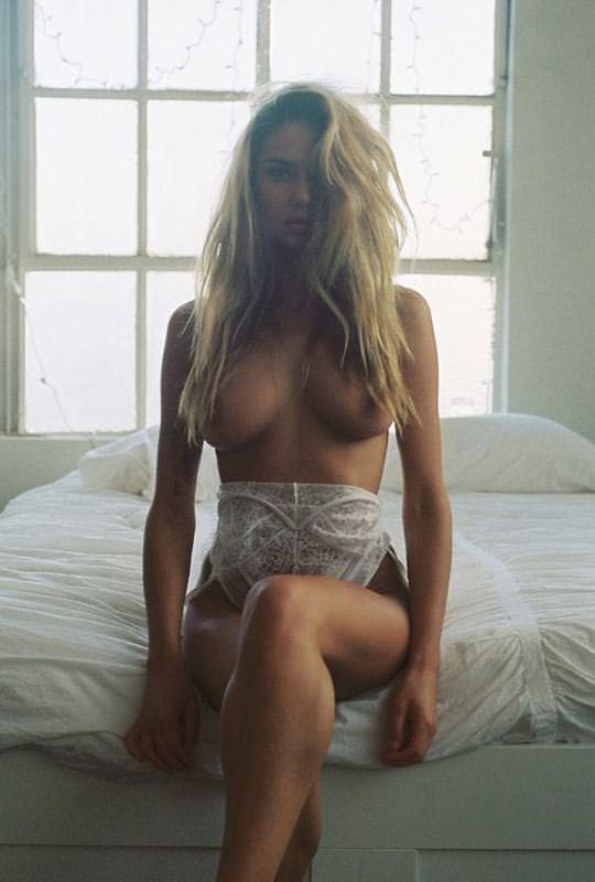 【外人】ありえない程美人な顔立ちの海外美女のセクシーポルノ画像 2982
