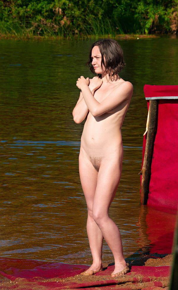 【外人】ヌーディストフェスティバルに参加中の素人美女を隠し撮りしまくった露出ポルノ画像 2989