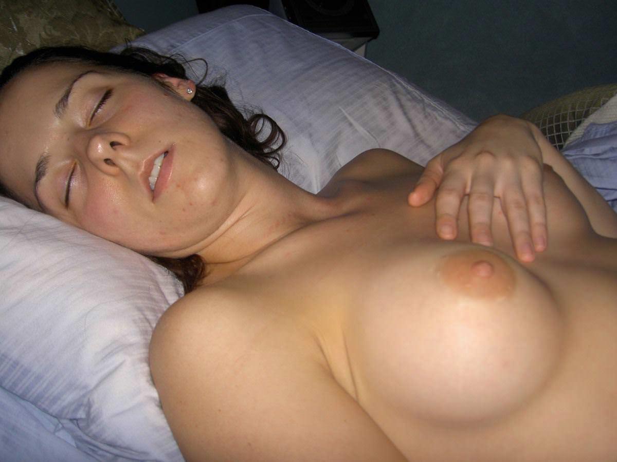 【外人】セックスして膣がお疲れちゃんで寝てる海外美女たちのポルノ画像 2997