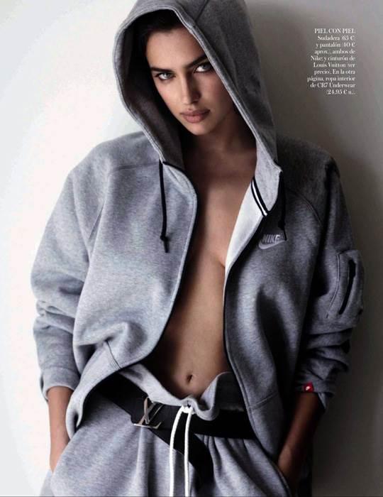 【外人】クリスティアーノ・ロナウド(Cristiano Ronaldo)のとんでもなく美人な恋人イリーナ・シェイク(Irina Shayk)の巨乳おっぱいポルノ画像 3021