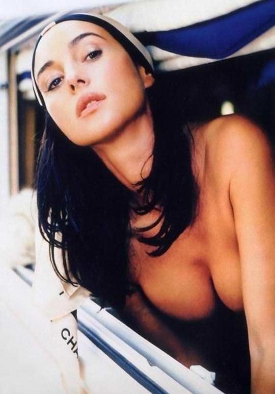 【外人】イタリア人女優モニカ・ベルッチ(Monica Bellucci)の大胆おっぱい露出ポルノ画像 3106