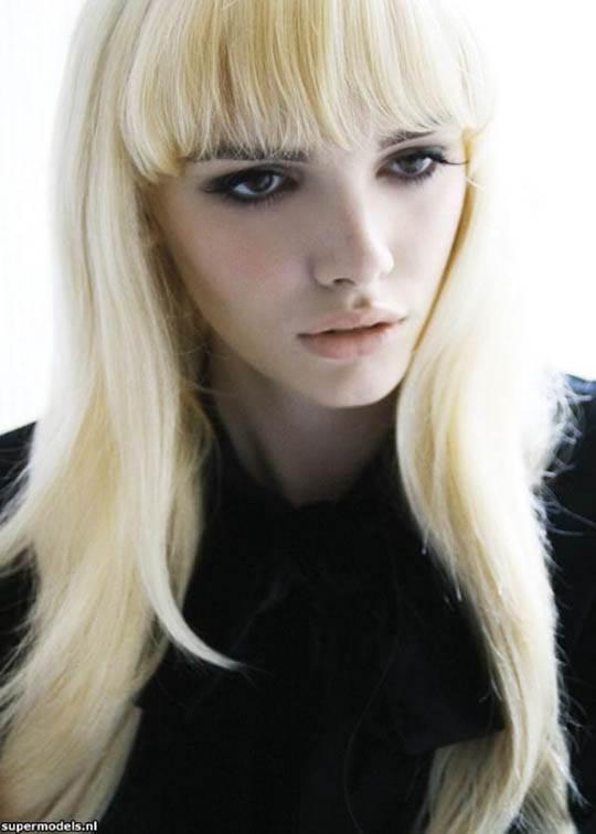 【外人】UK出身整いすぎた顔立ちの美女ジョージア·フロスト(Georgia Frost)の全裸ポルノ画像 3108