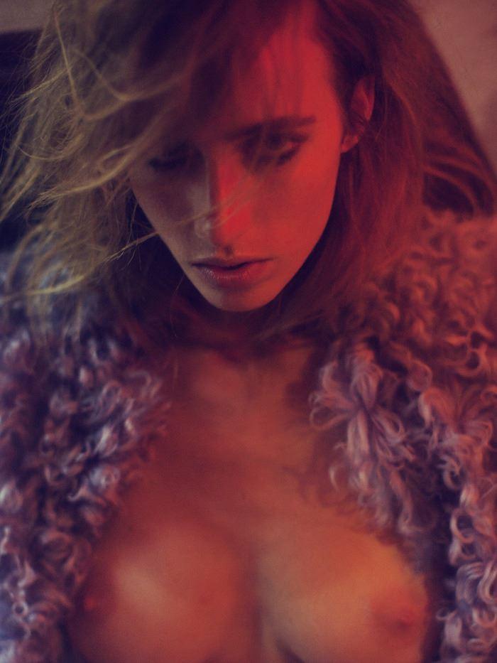 【外人】ベルギーの超人気モデルEliza Sysがセクシーなヌードを披露するポルノ画像 312