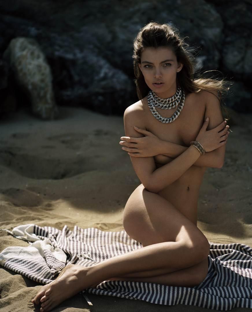 【外人】ドイツ出身モデルのカローラ・レーマー(Carola Remer)が魅惑のボディーを見せつけるセミヌードポルノ画像 3166