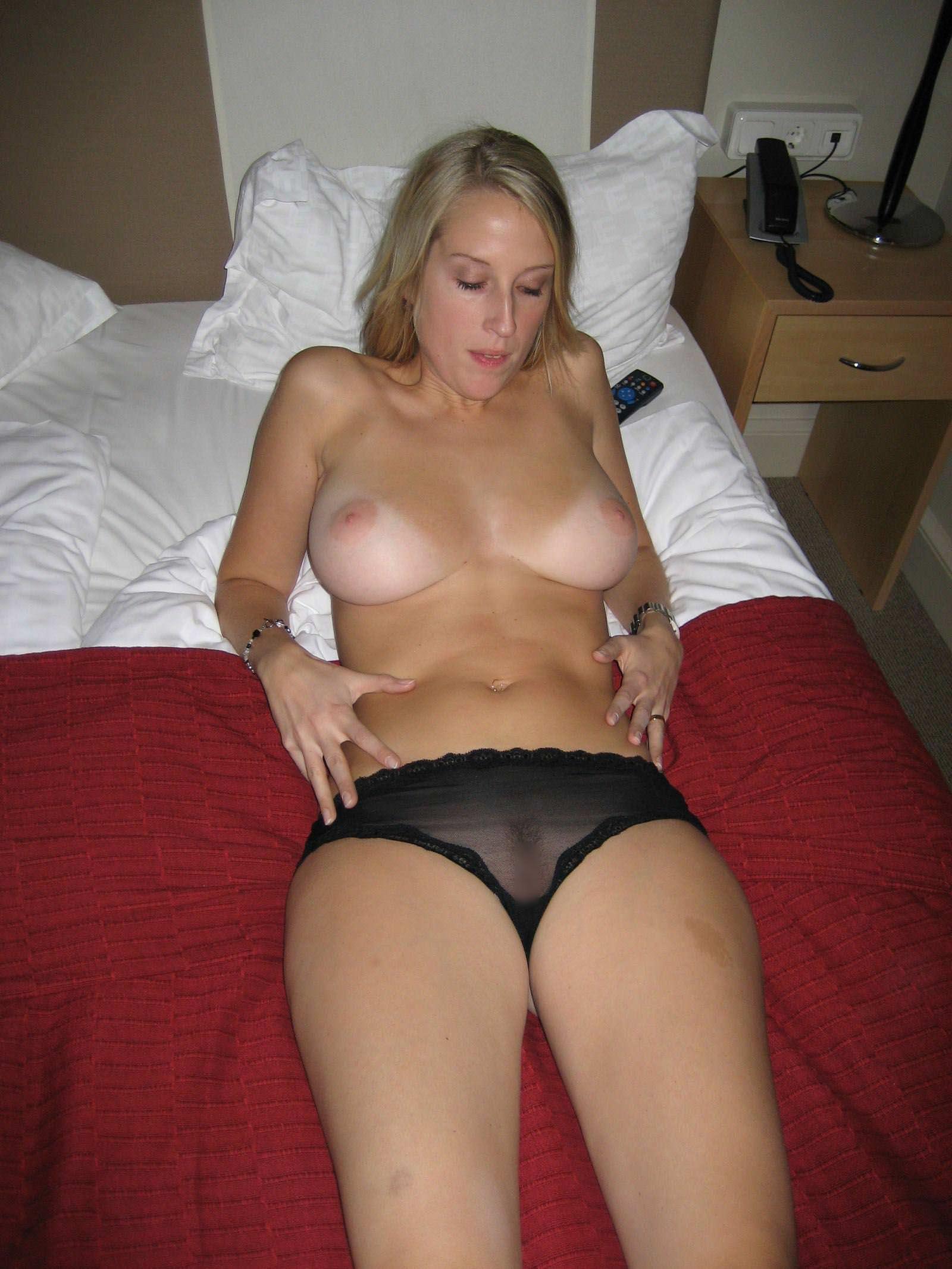 【外人】スウェーデンの金髪素人美女が彼氏とエッチして妊娠した姿を晒すポルノ画像 3227