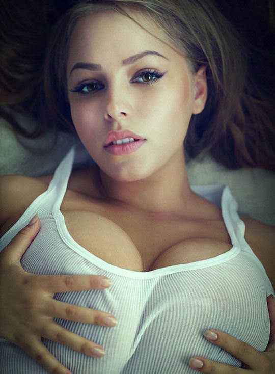 【外人】すっげー可愛いのに爆乳なさすが海外美女のポルノ画像 3242